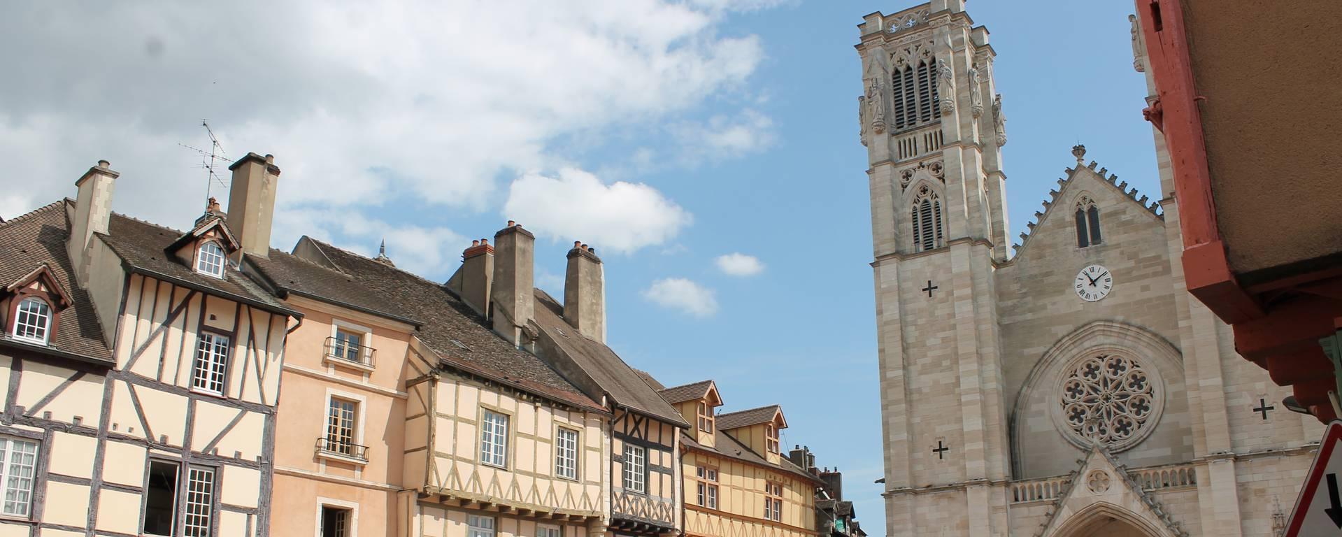 Chalon centre et commerces - © Office de Tourisme