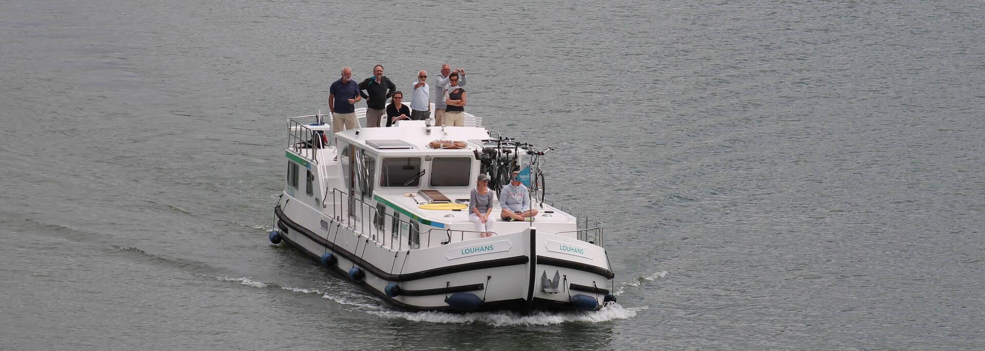 Promenade location bateau Chalon sur Saône - © Office de Tourisme