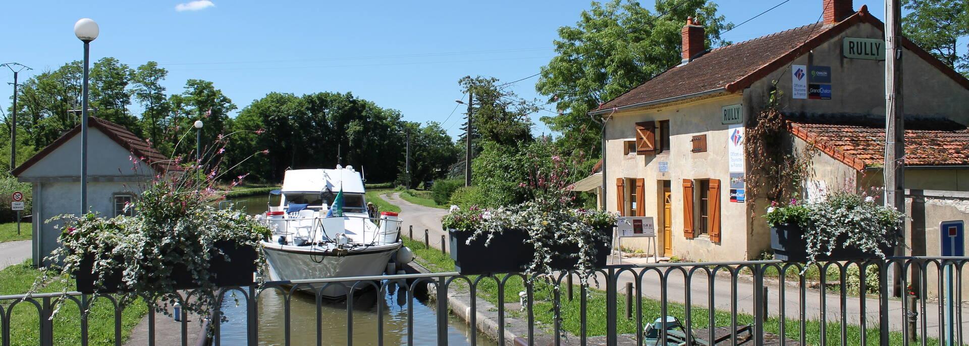 Canal du centre Entre Chalon sur Saône et Rully