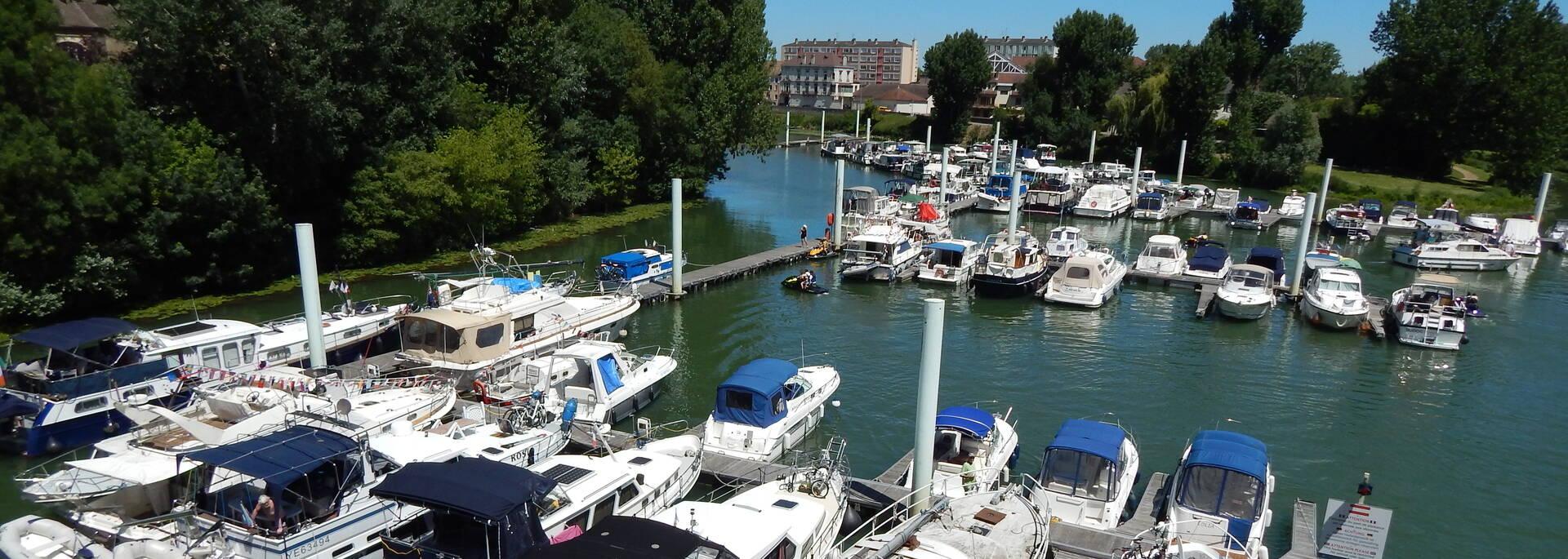 Port de plaisance de Chalon sur Saône - © Office de Tourisme
