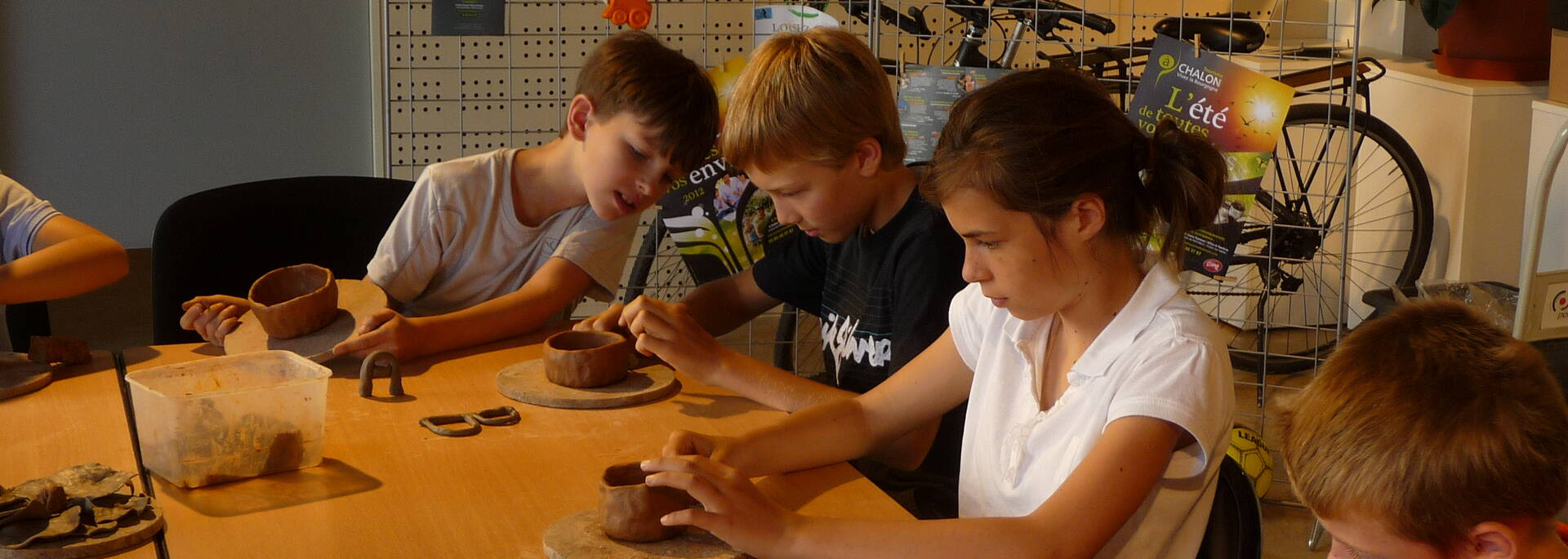 Atelier poterie pour les enfants à l'Office de Tourisme