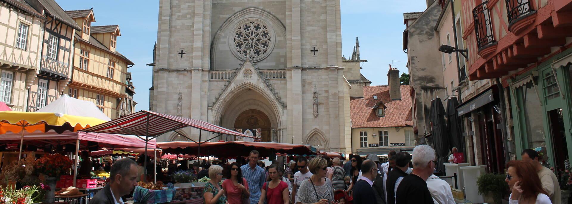 Place Saint Vincent et la Cathédrale