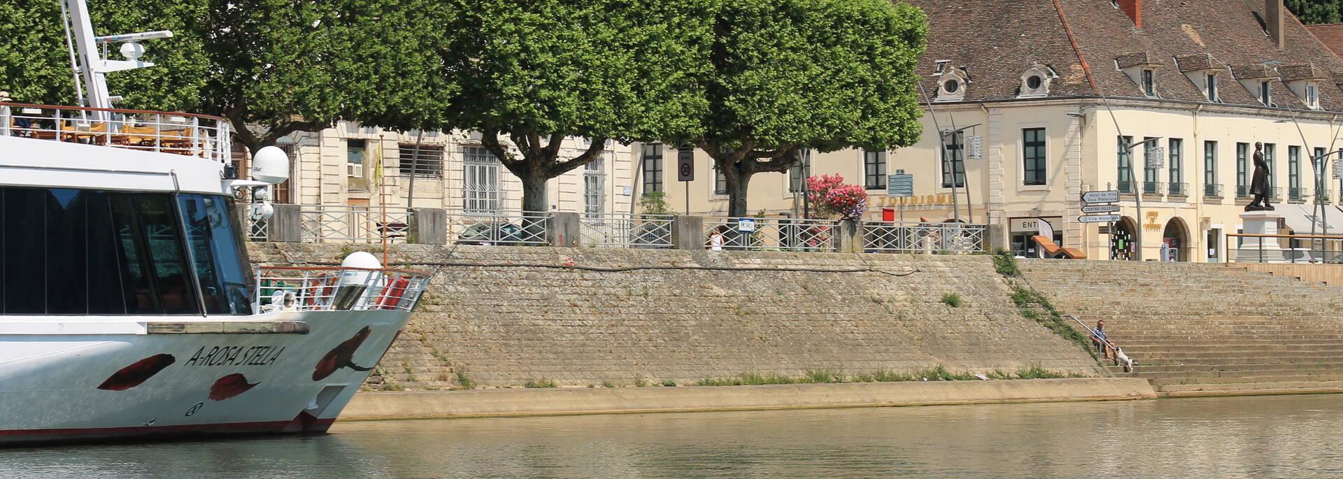 Départ croisières Chalon sur Saône Office de Tourisme
