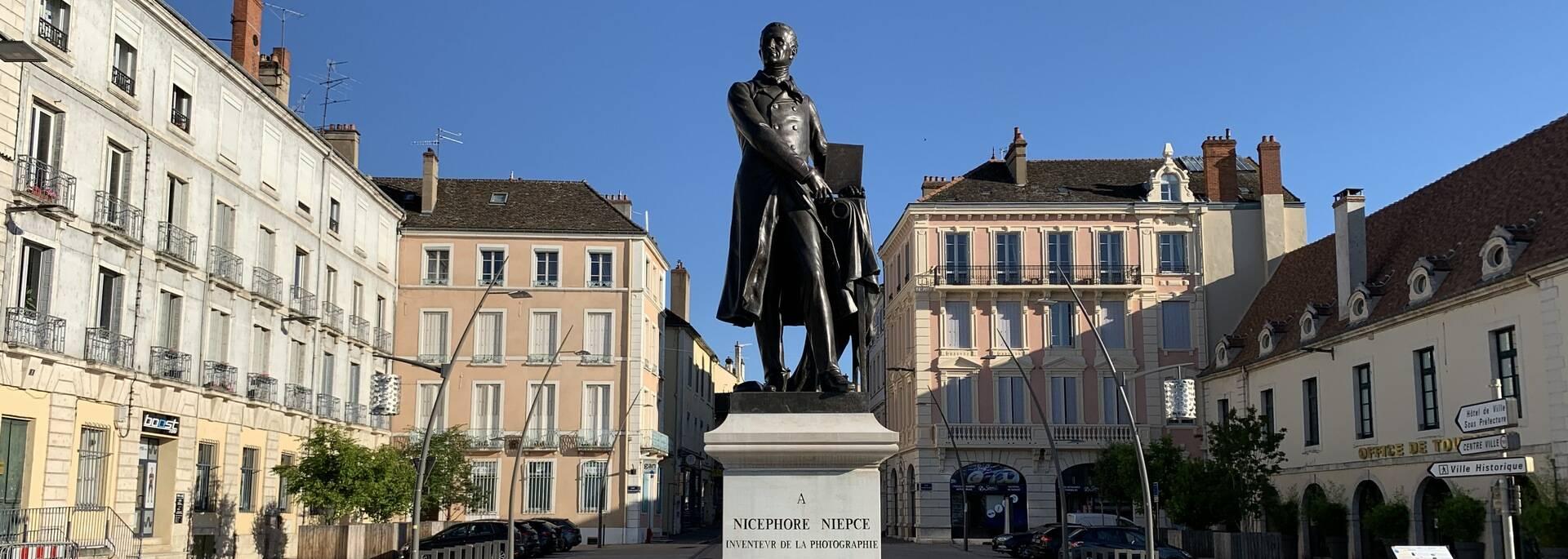 Statue Nicephore Niepce Chalon sur Saone